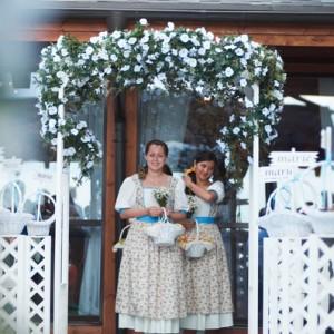 Арка свадебная деревянная белая (стиль прованс, класический)